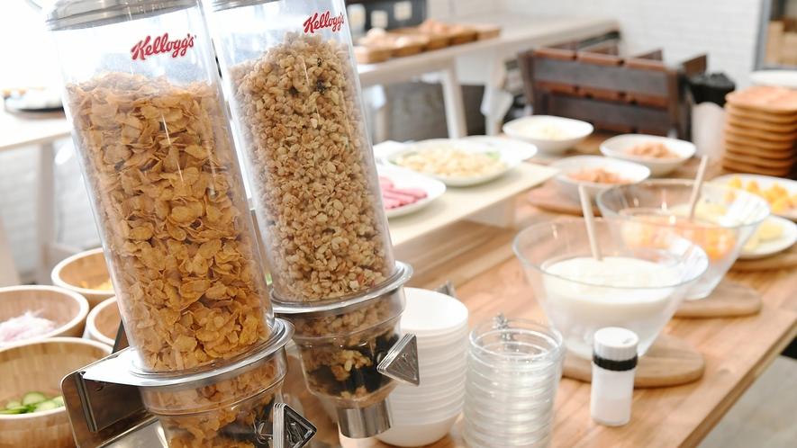 【朝食ブッフェ】ブッフェといればシリアルでしょ!ということで2種のシリアルをミルクでどうぞ☆彡