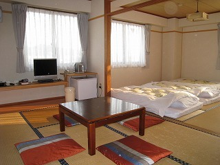 和室(6畳+8畳)