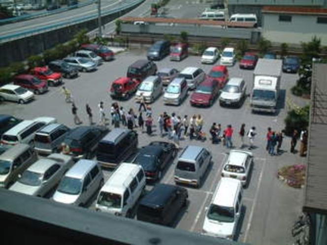 ホテル駐車場②