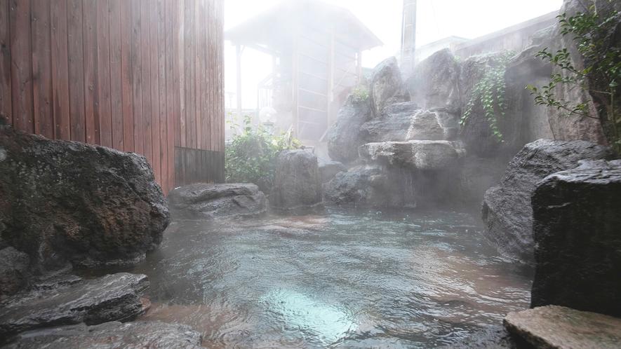 別館1階◇岩風呂大浴場【女性用露天風呂】 仇討ちの湯