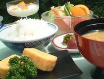 朝食の一部(イメージ)