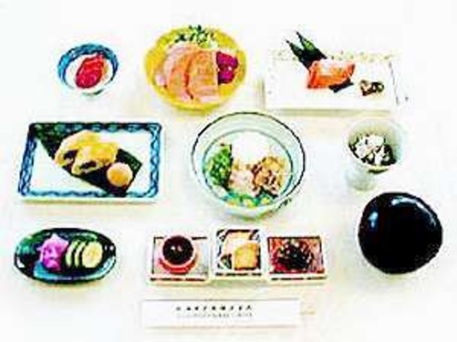 温泉でリフレッシュ!朝は和食の朝食で元気なスタートを!(写真はイメージです。)