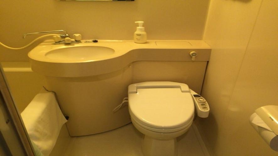 お部屋はバストイレ付き