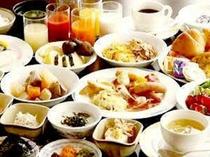 約40種類の朝食バイキング