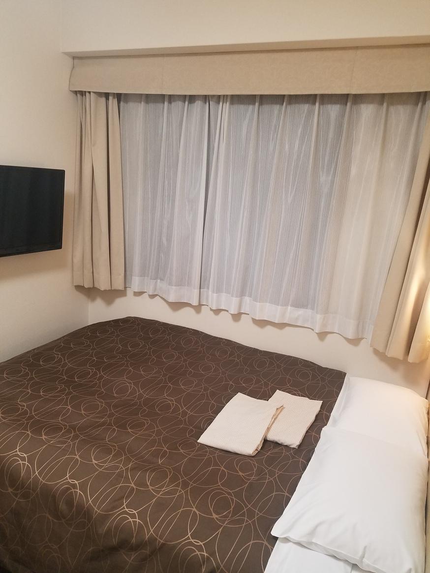 ダブルルーム        【15m2 ベッド幅140cm】
