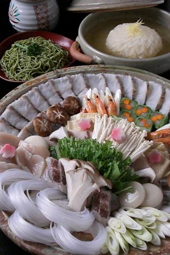 """特製鍋料理""""蕪みぞれ""""でいただく『菊姫鍋』"""