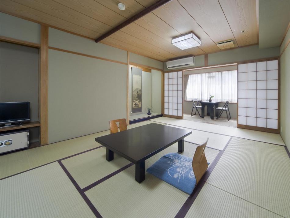 9〜12畳の広々和室でゆったりおくつろぎ♪