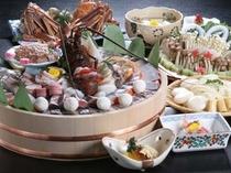 三木半旅館自慢の贅沢鍋『宝金鍋』は蟹や伊勢海老など盛り沢山