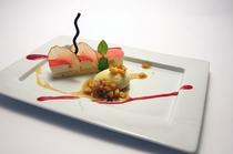 林檎のムース胡桃とバニラアイス、林檎のキャラメルソース(2013秋)