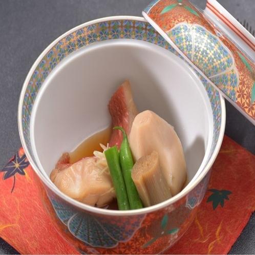 伊豆といえば金目鯛代表的な金目鯛の煮つけを当館でも味わえます♪