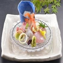新鮮な魚介のお刺身盛り合わせ