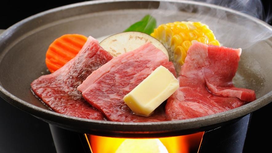【夕食】上撰会席 料理一例 黒毛和牛陶板焼き