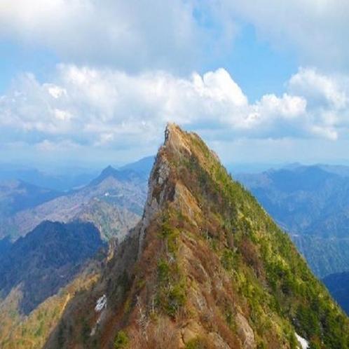 新居浜から一足伸ばして:西日本最高峰!四国の屋根とも言われる石鎚山。