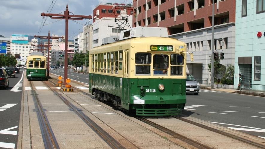 長崎市内の観光には便利な路面電車♪