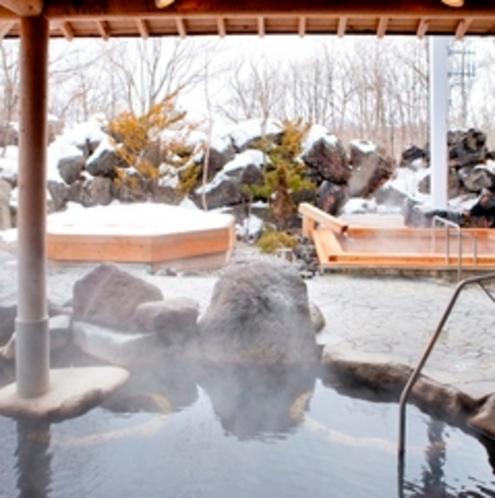奥軽井沢温泉「暁の湯」・露天岩風呂(冬)