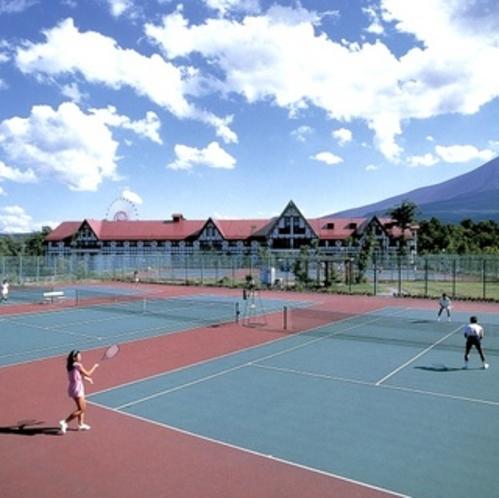 ホテル敷地内「テニスコート」