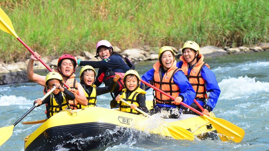 約30種の夏の体験プログラム『犀川ラフティング』