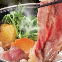 卓上五徳の直火で温めて食べるすき焼き!※写真はイメージです