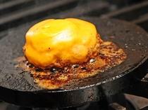 【2019夏メニュー】チーズハンバーグ