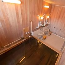 貸切家族風呂(檜風呂)香りあふれる空間です