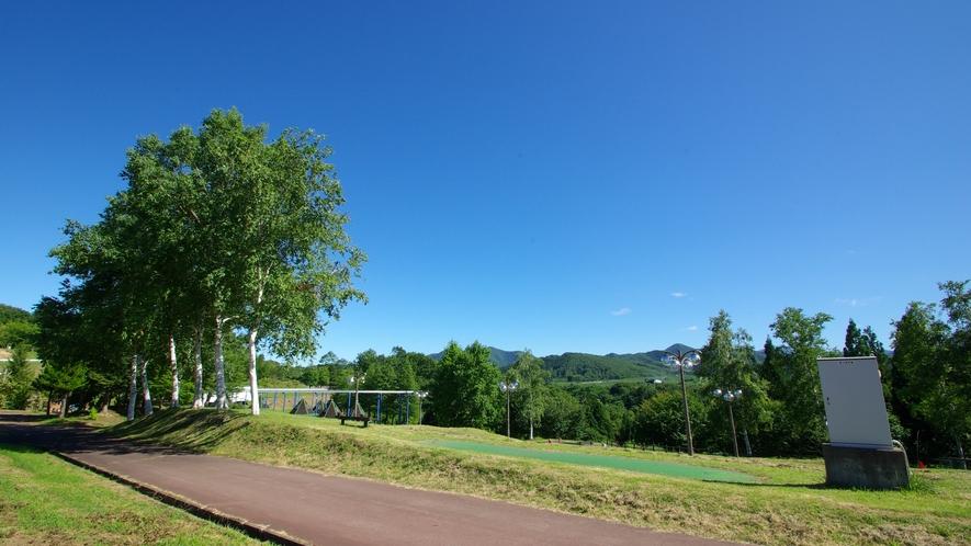 パターゴルフ場の遊歩道