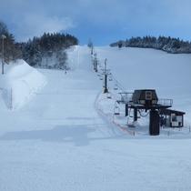 オープン前のスキー場の風景