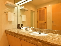 スイートルーム 洗面台