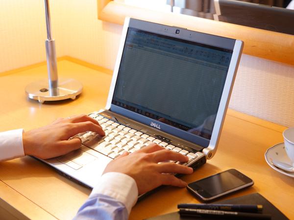 インターネット接続は無料。無線LAN・有線LAN全室完備。