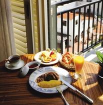 ルームサービスのご朝食