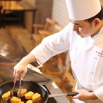 出来たてのオムレツやフレンチトースト《ブラッスリー ベルデマール/朝食》