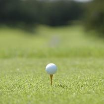 *レインボーヒルズカントリー倶楽部/ホテル併設のゴルフ場。