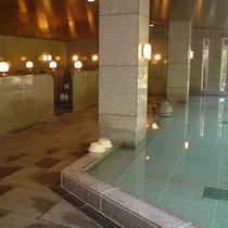 *大浴場/男性用 クラブハウス内にございます。プレーの後は汗を流してさっぱり!