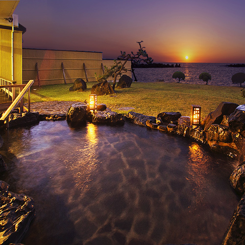 日本海を望む絶景温泉瀬波温泉で寛ぐ癒しのひととき!
