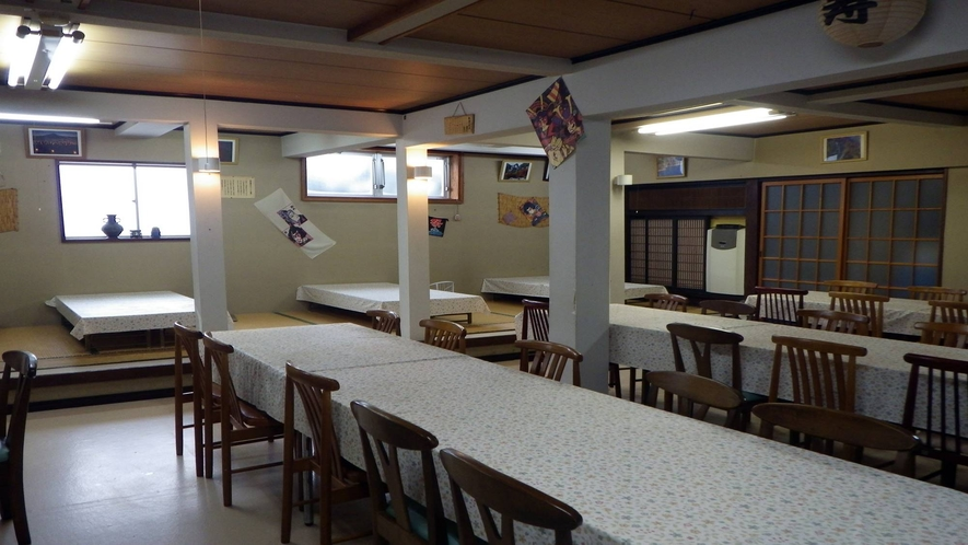 *【食堂】朝夕ともに、お食事はこちらにご用意致します。