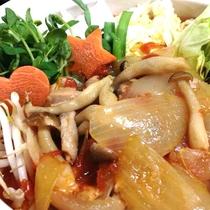 *夕食一例/すこし酸味の利いたトマト鍋は身体によくとても温まる☆