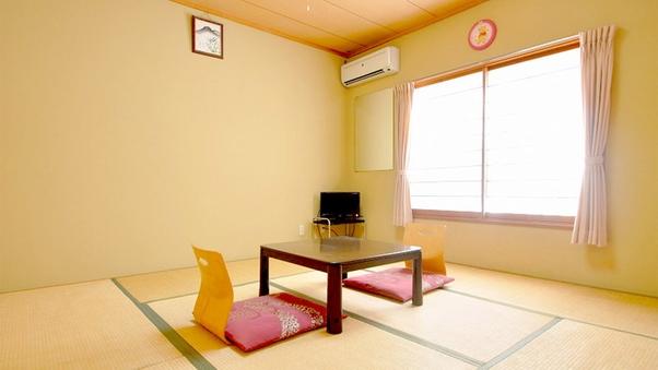和室8畳(バストイレ共同)※冷房なし