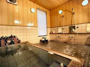 本物の100%源泉掛け流し内湯温泉2室、露天風呂温泉1室、全て貸切風呂24時間OK!