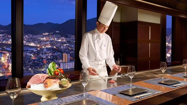 【夕食:鉄板焼なにわ】14〜23階 スーペリアフロアツイン