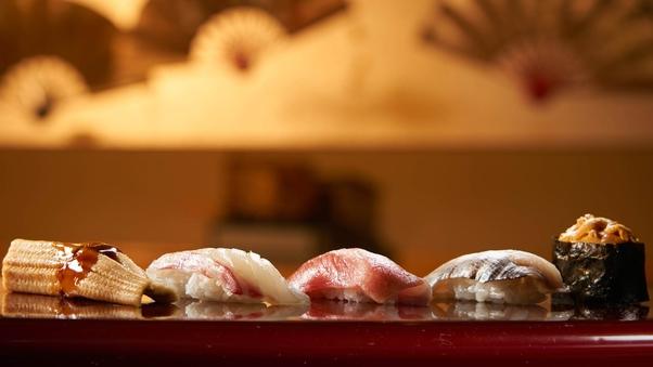 【夕食:皿倉】14〜23階 スーペリアフロアツイン