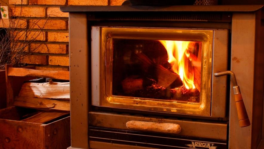 心安らぐ暖炉。