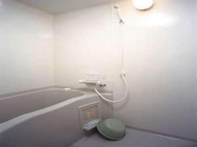 バス・トイレ独立設計で湯船でゆったり出来ます。