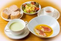 普通食_ご褒美朝食一例