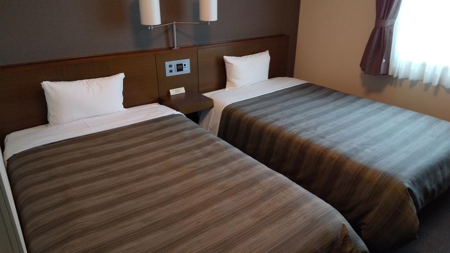 客室:ツインルーム:大きなベッドに広々お部屋