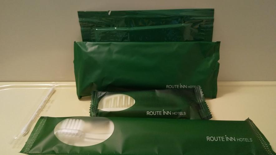 アメニティー(スタンダードルーム)歯ブラシ・ヘアブラシ・カミソリ・スポンジ・綿棒を備えております。