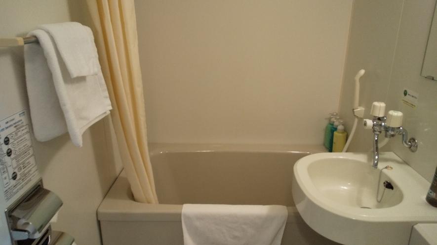 客室:ユニットバス 洗顔&ハンドソープを全室に設置しております。