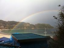 虹と外浦海岸