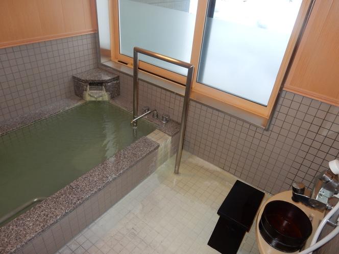 湯恵山荘家族風呂