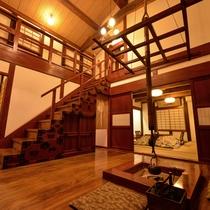 *弐の蔵/見応え十分な「けやきの通し梁」をはじめ、お部屋全体に見どころがあります。