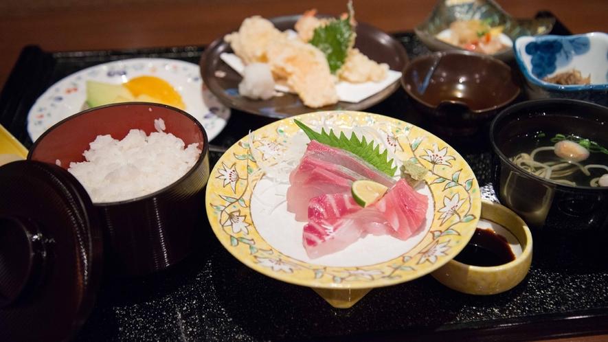 *お夕食一例/旬の恵みを味わえる、彩り豊かなおもてなしをご堪能下さい。