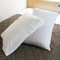 【客室設備一例】枕を二種類ご用意
